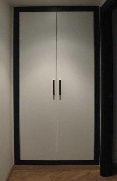 Armadio A Muro Moderno.Armadio A Muro Moderno Bianco E Wenge Falegnameria Roma Browood