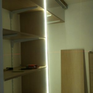 Armadio a muro con LED