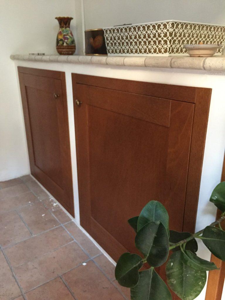 Sportelli su misura per cucina in muratura for Sportelli legno per cucina muratura