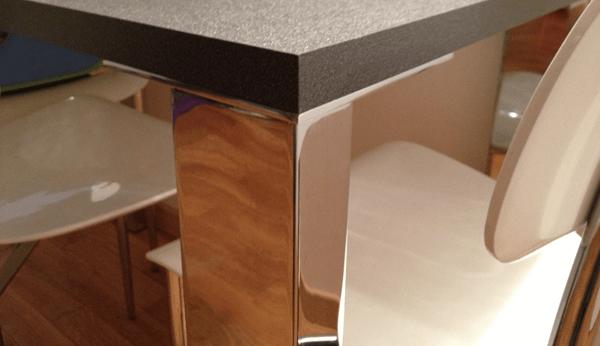 tavolo su misura zampe in cromo