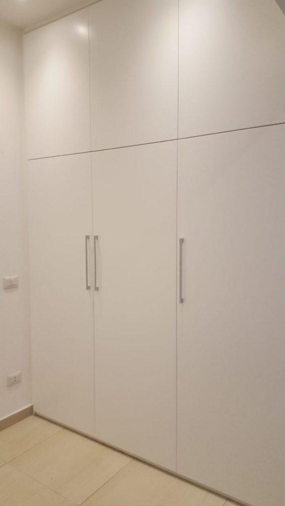 Armadio A Muro Bianco.Armadio A Muro Laccato Bianco