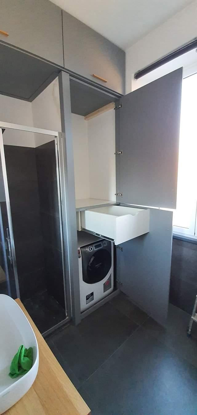 armadio a muro bagno laccato